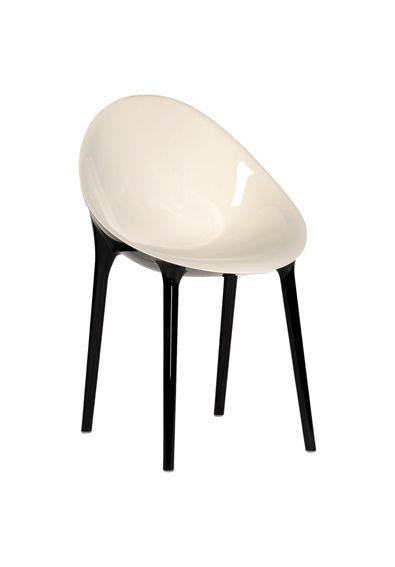 Cadeira_Super_Impossible_Kartell_E8_Branco_Preto_Philippe_Starck_Eugeni_Quitlet_1.jpg