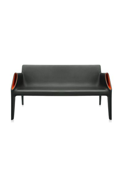 sofa-magic-hole-kartell-philippe-starck-preto-laranja